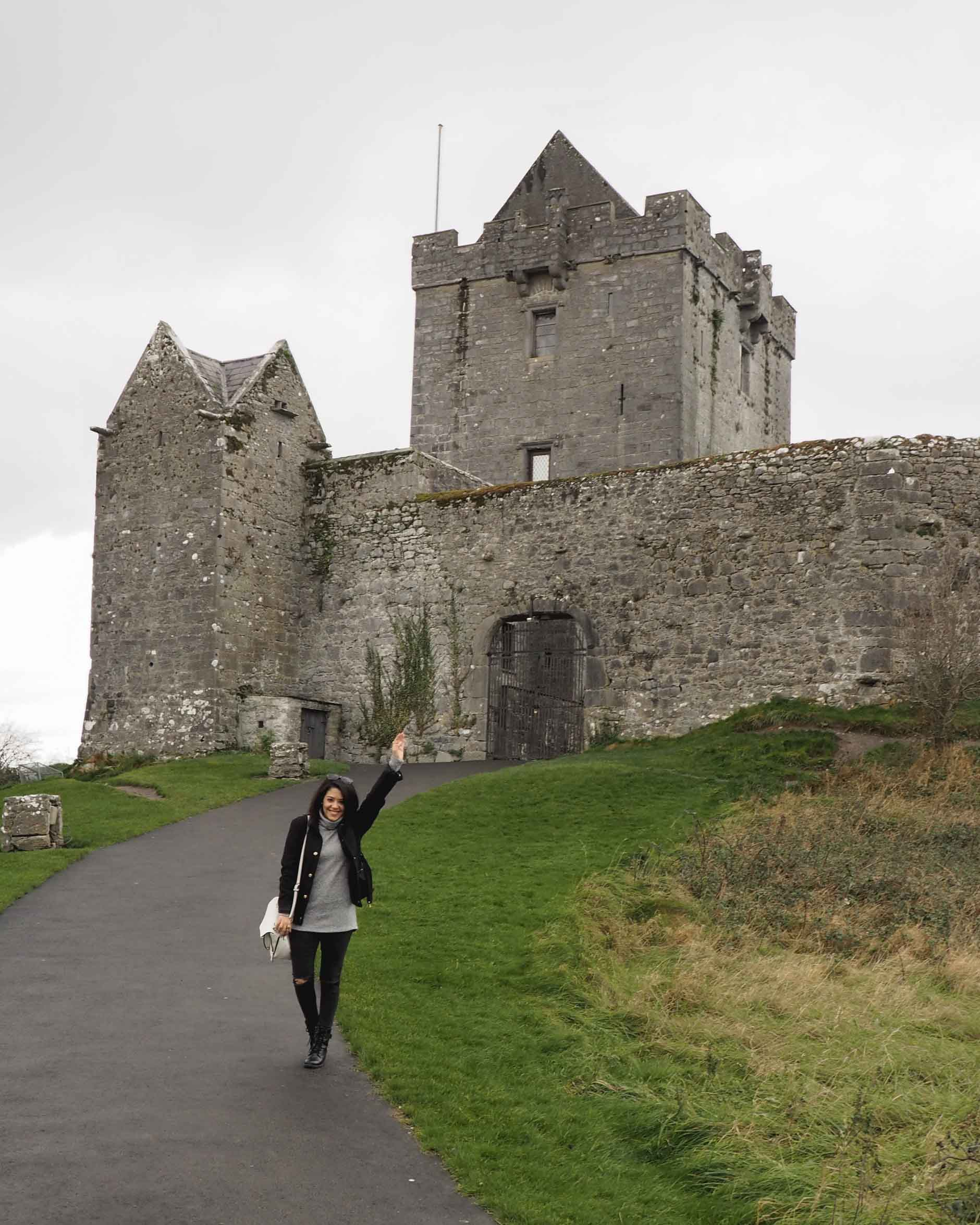 lifestyle blogger naty michele solo travel ireland