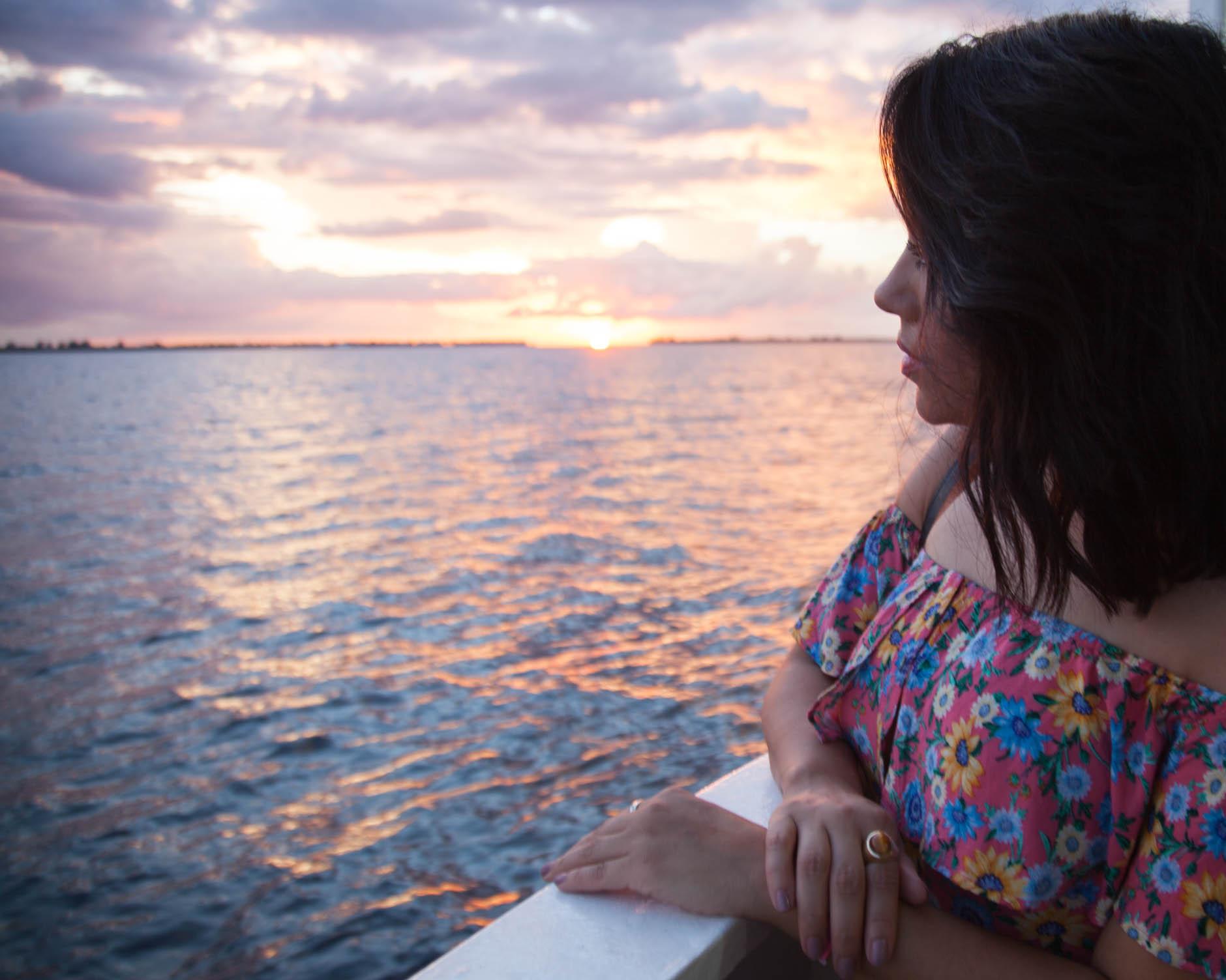 lifestyle blogger naty michele sunset cruise