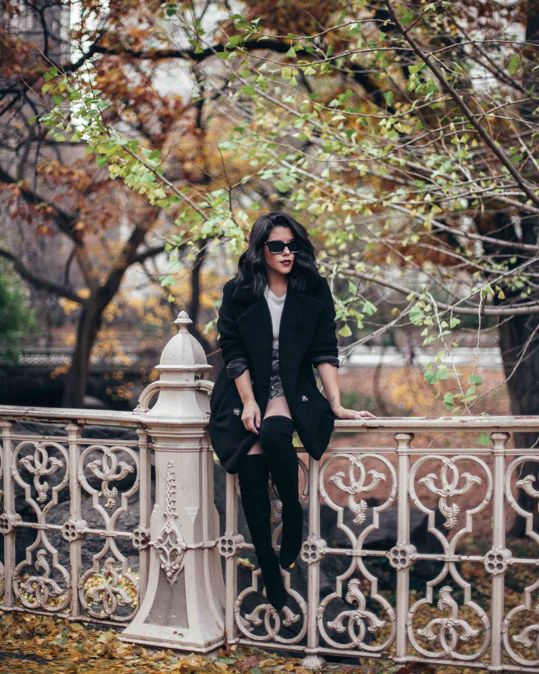 lifestyle blogger naty michele sitting at central park